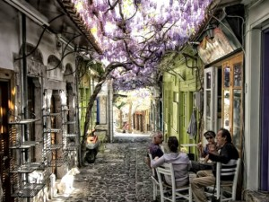 Two Greek alleyways – 1st and 10th most beautiful in the world